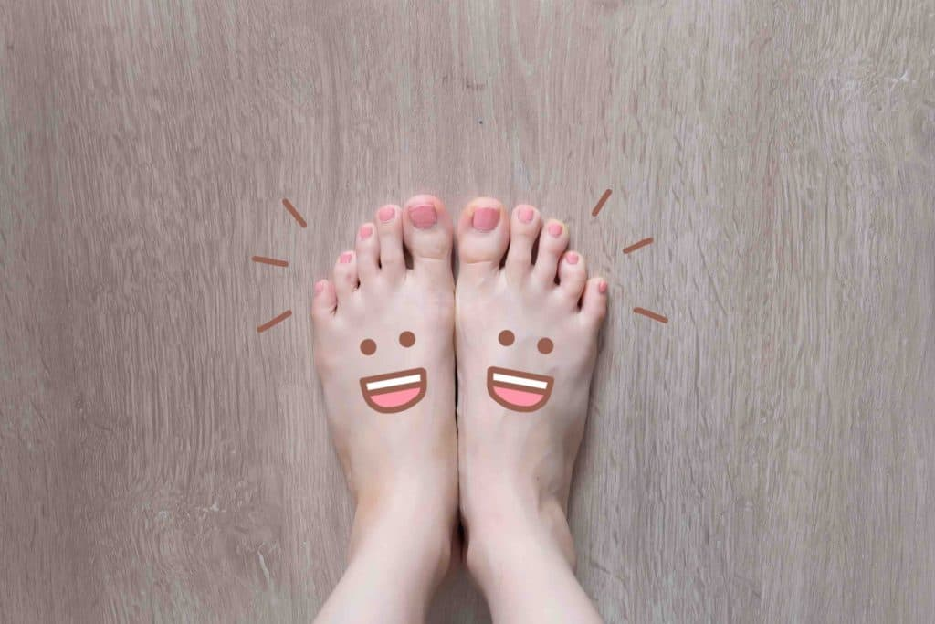 Feet Pics on Craigslist